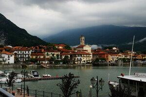 Облака в городе. Фериоло, Италия.