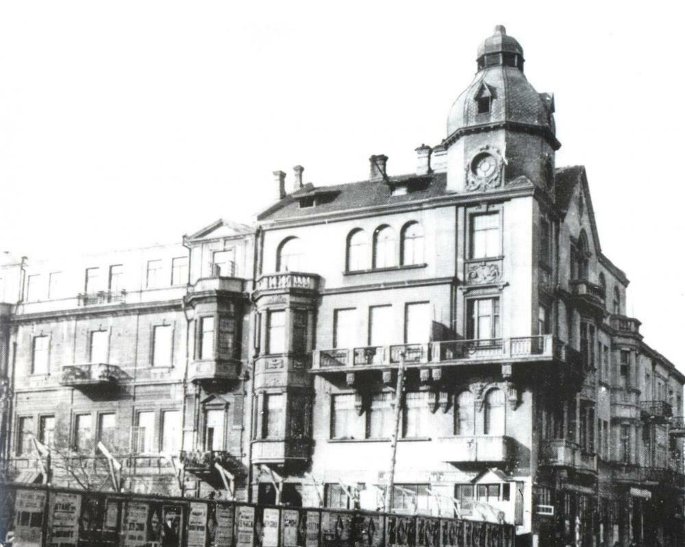 Здание по Красноводской угол Торговой. 1905