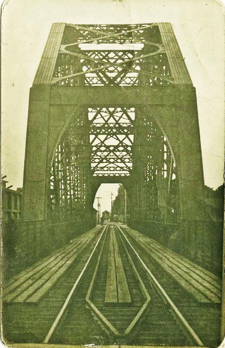 Портал моста со стороны Ивангорода