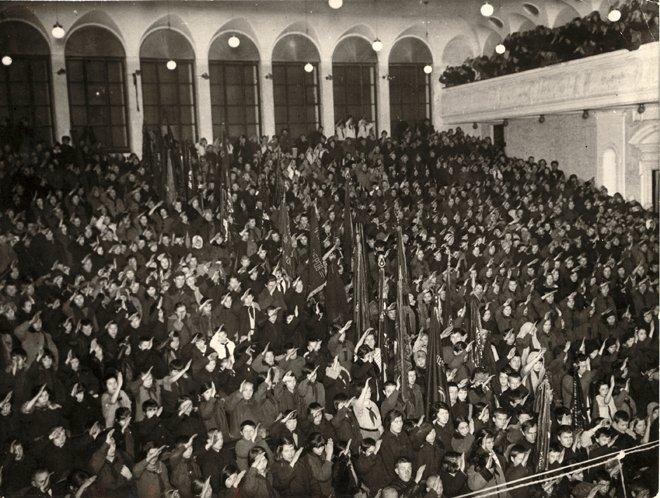 Pioneers' Meeting, Arkady Shaikhet, 1925.jpg
