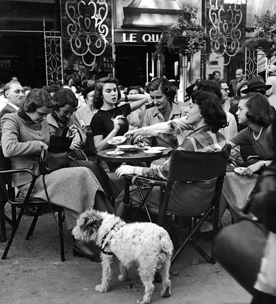 American girls at the Colisee Cafe. Photograph by Gordon Parks. Paris, 1951.jpg