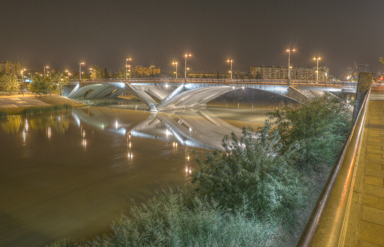 Zaragoza. The bridge is Santiago at night. HDR