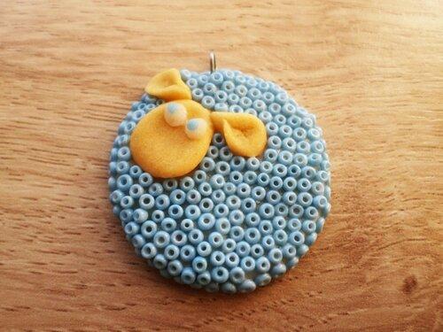 Кулон Голубая овечка из холодного фарфора