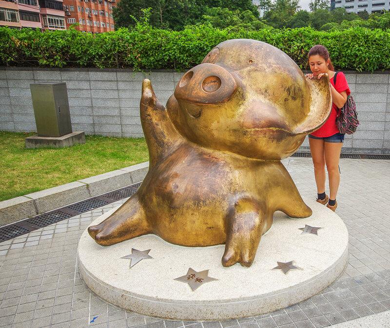 Настя в Гонконге