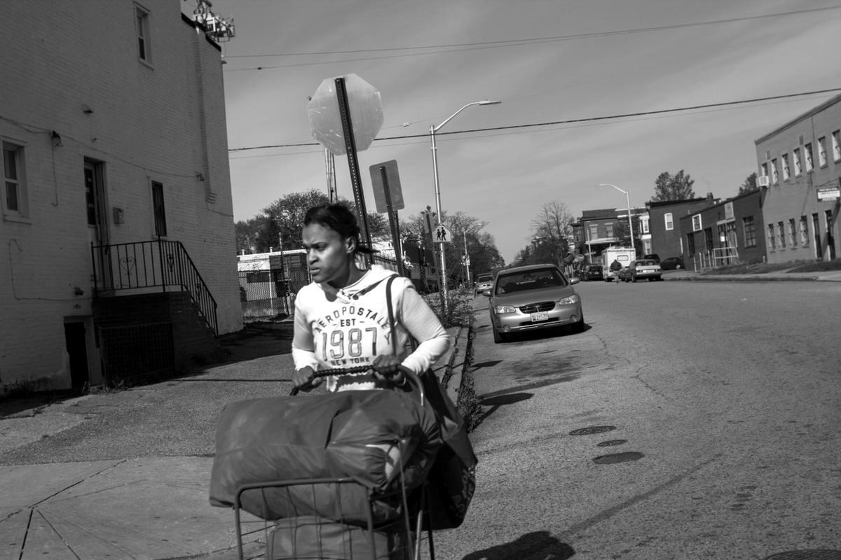 Неулыбчивая Америка: Черно-белая жизнь в бедных кварталах современного Балтимора (21)