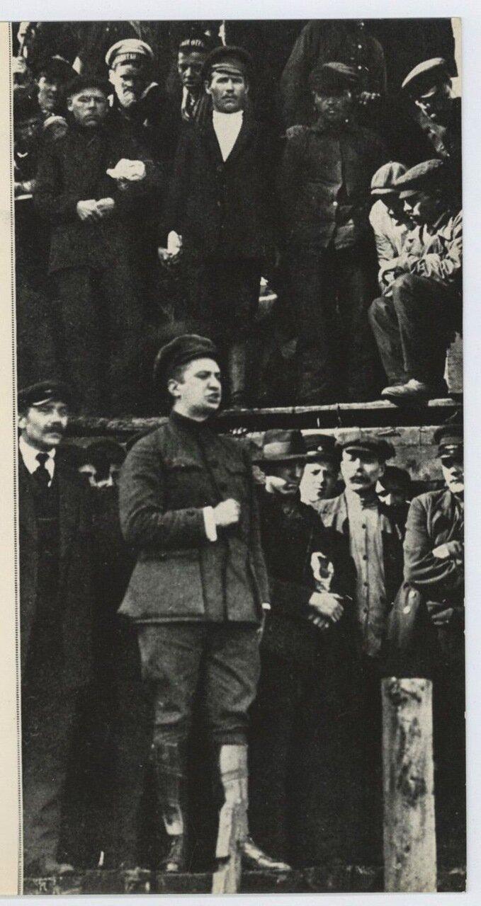 1917. А.Ф. Керенский при спуске подводной лодки «Ерш» на воду