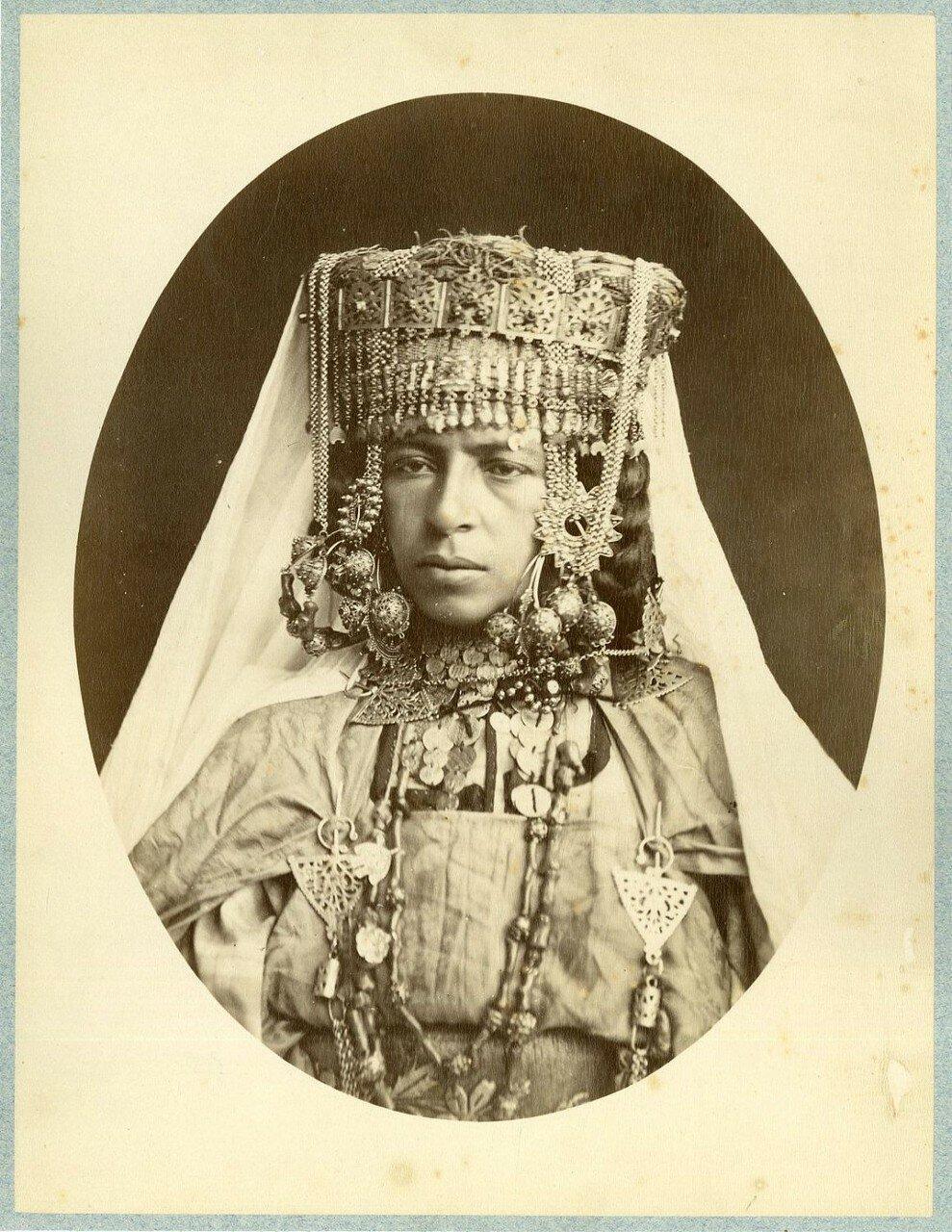 Женщтна Улед-Наиль