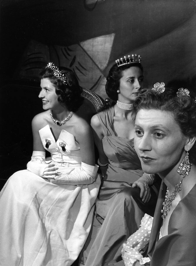 1950. 3 короны графа Этьена де Бомона, Париж