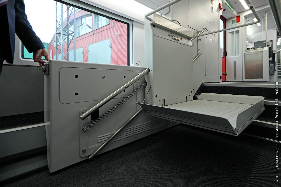 двухэтажный аэроэкспресс фотографии лифта для колясок
