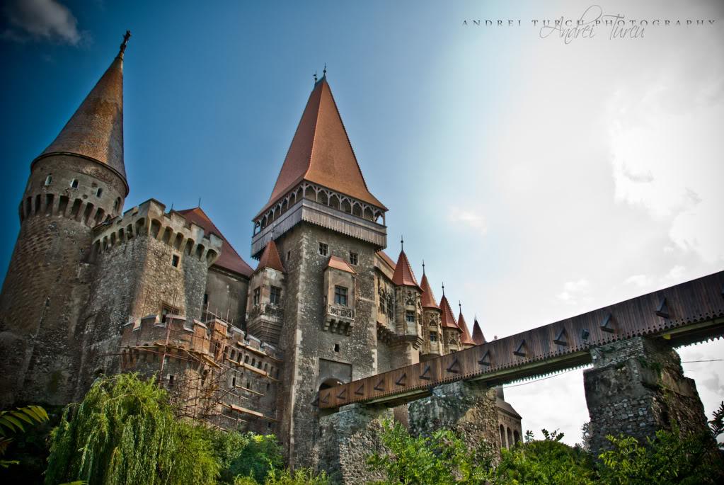 Hunyad_Castle_by_andreiturcu.jpg