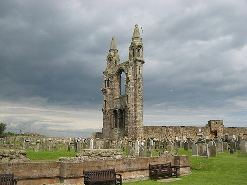 800px-St_Andrews_Cathedral-2007_1.jpg