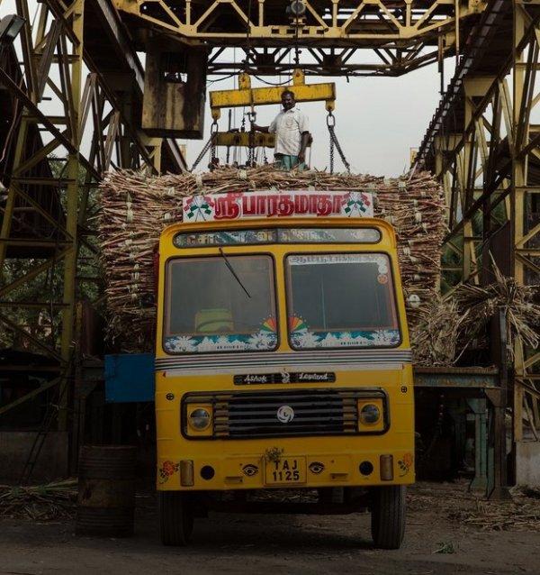 суровые индийские дальнобойщики