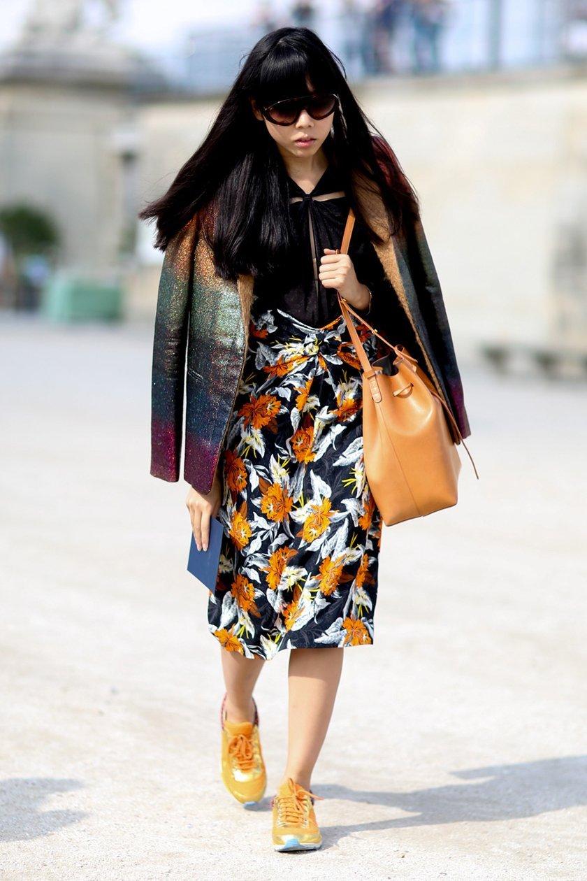 миди платье с принтом, уличная мода Парижа 2015