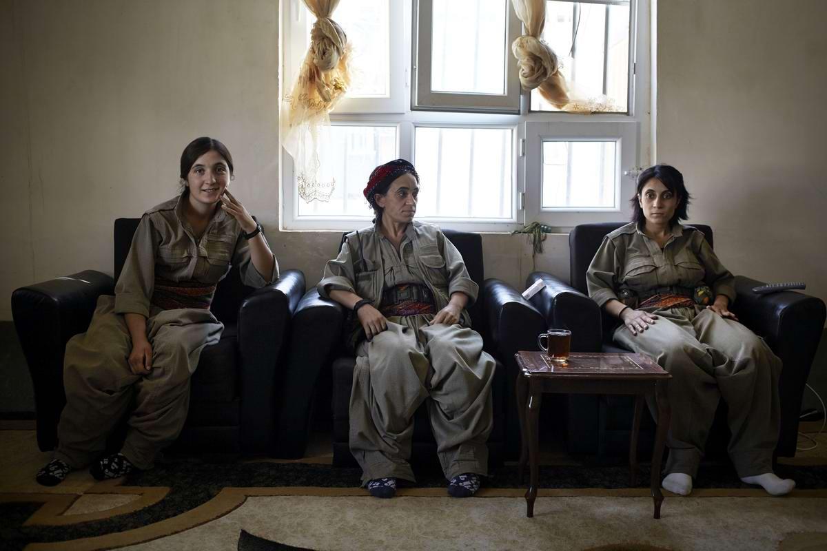 Курдские женщины: о разных сторонах их жизни посреди войны (1)