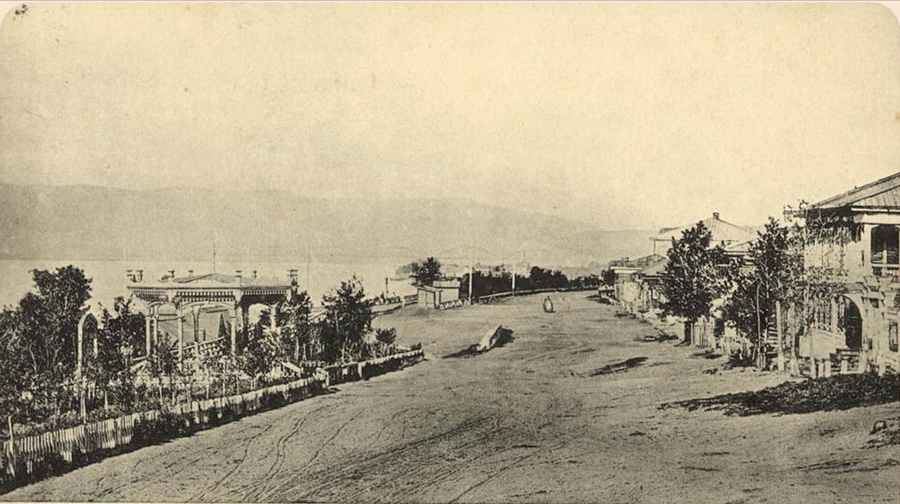 Бульвар на берегу Енисея