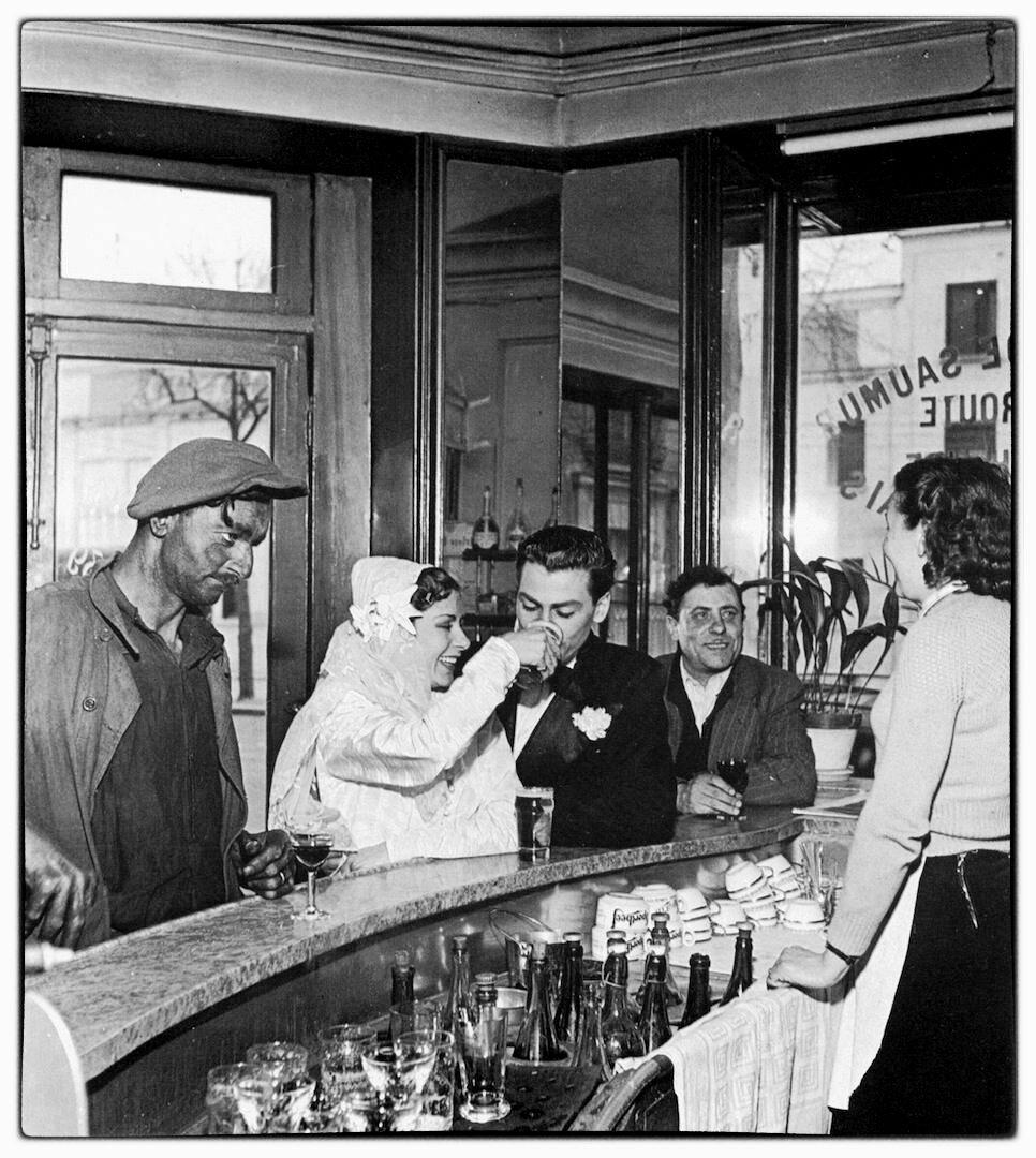 1948. Кафе в Жоинвиль-ле-Пон