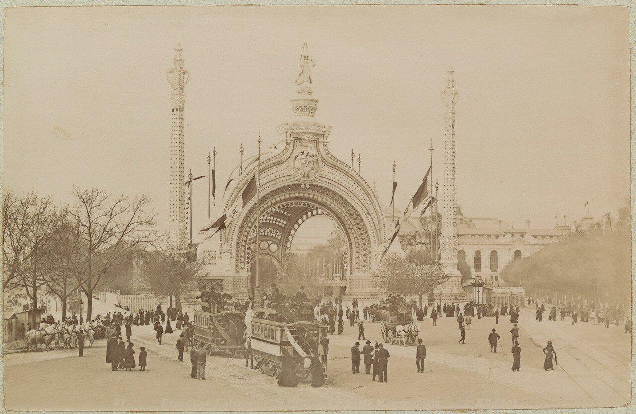 1900. Главные ворота Парижской выставки