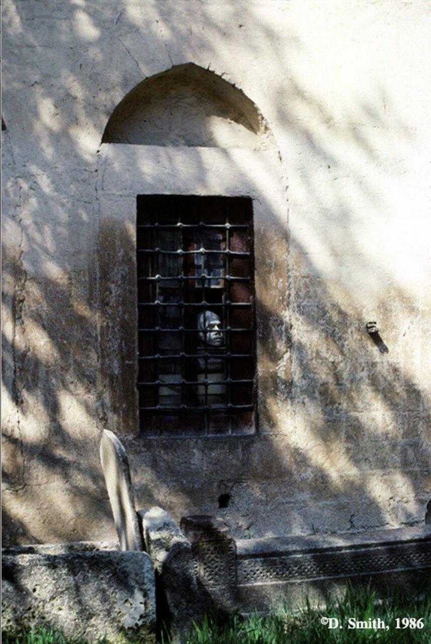 Крым. Бахчисарай. Окно в Ханском дворце