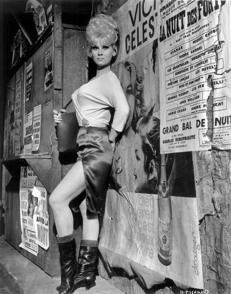 Grace Lee Whitney production still from Billy Wilder's Irma la Douce (1963).jpg