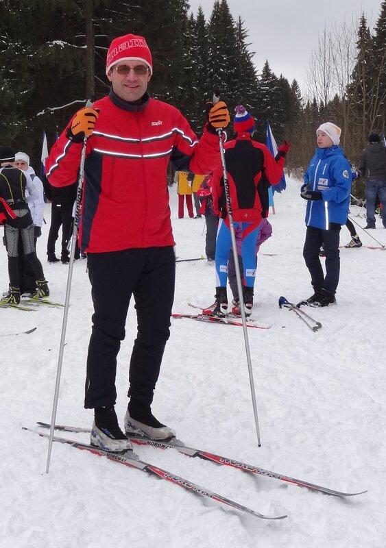 Антон на лыжах.jpg