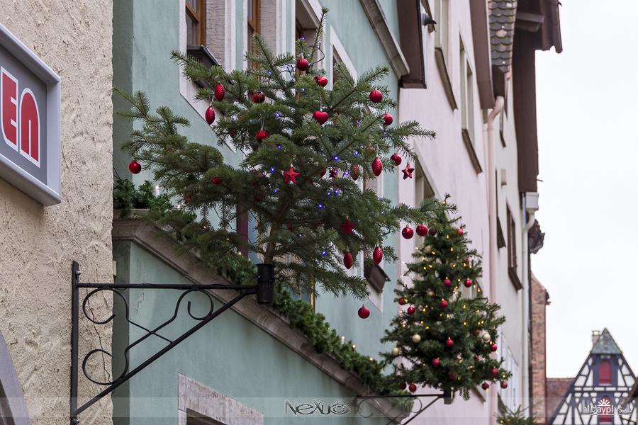 Ротенбург над Таубером перед Рождеством и всемирно известного магазина ёлочных игрушек и украшений Кэйти Вольфарт.
