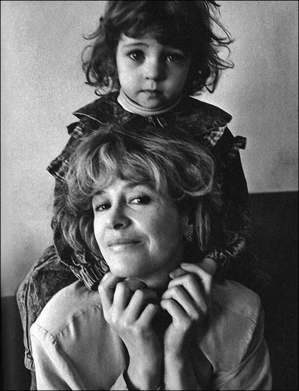 1122 Марина Неелова с дочерью Никой.jpg