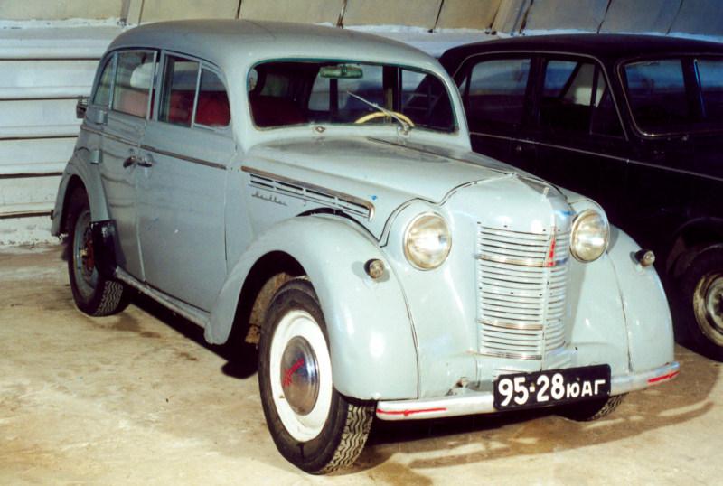 Легковой автомобиль Москвич-400 (1950), СССР.jpg