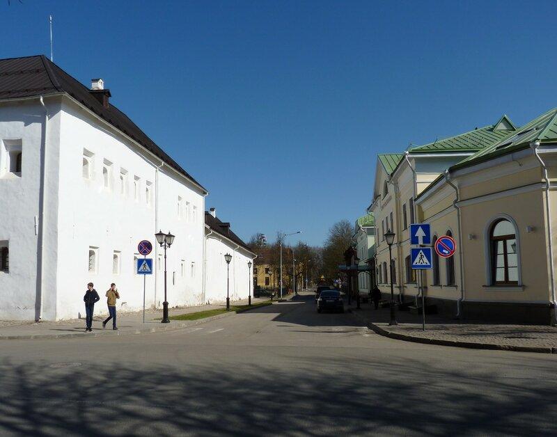 Псков. Вдоль по улице... Музейный переулок