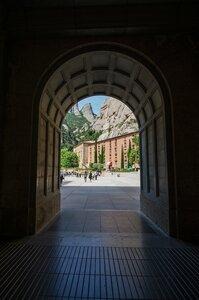 Вход на площадь перед базиликой.jpg