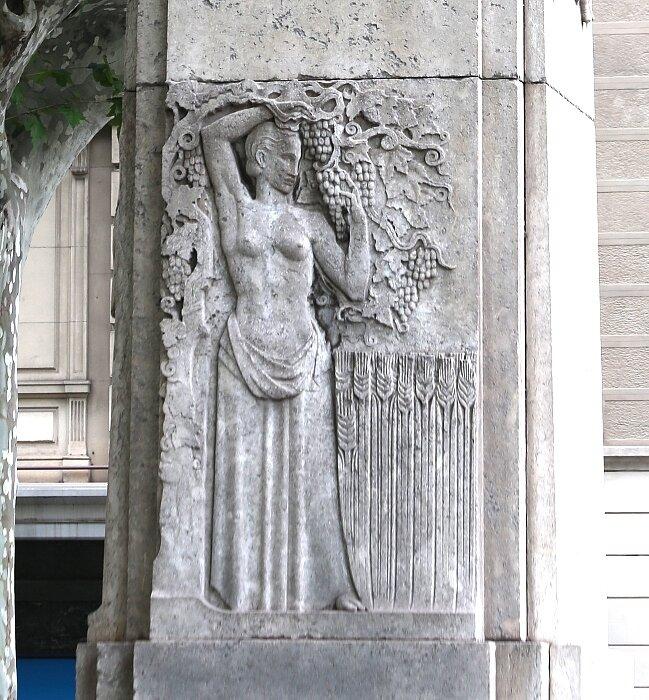 Памятник Джоану Гуэлю (Monument a Joan Güell i Ferrer), Барселона