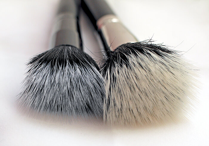 ELF-Cosmetics-Studio-Stipple-Brush-vs-MAC-Duo-Fibre-Brush-187-review-сравнение-отзыв6.jpg