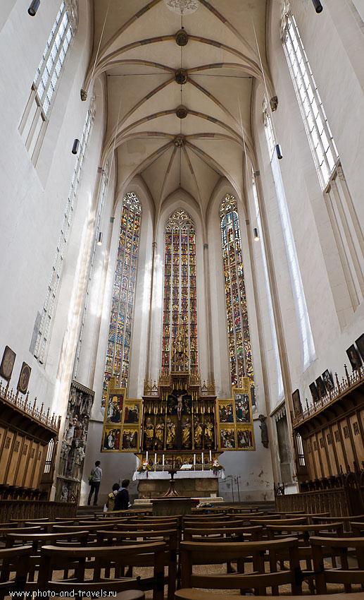 14. Я не знал, какой кадр с интерьером Церкви St.-Jakobs-Kirche оставить, поэтому опубликовал оба снимка... : ) Отзывы о поездке в Ротенбург-об-дер-Таубер в Германии.