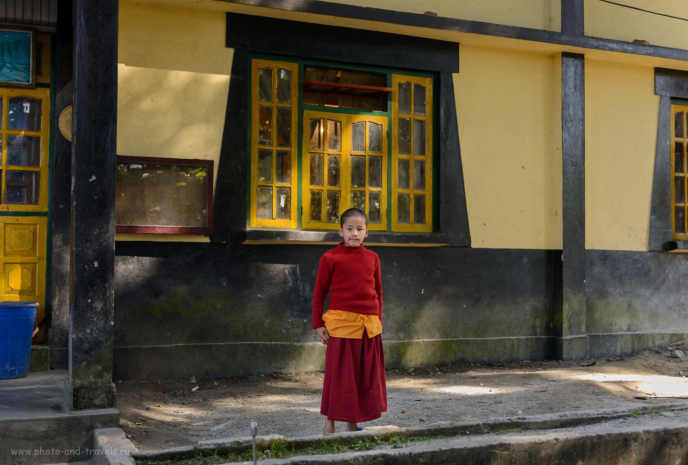 28. Мальчик в монастыреEnchey Monasteryв Гангтоке, штат Сикким. 2.8, 1/500, 2000, 40.