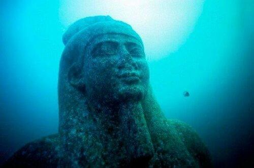 Рамзес, смотрящий на Нибиру