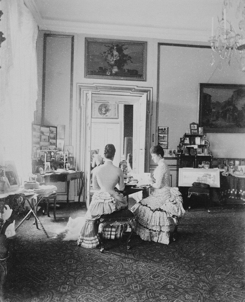 1881-1890. Александра Датская  и императрица Мария Федоровна