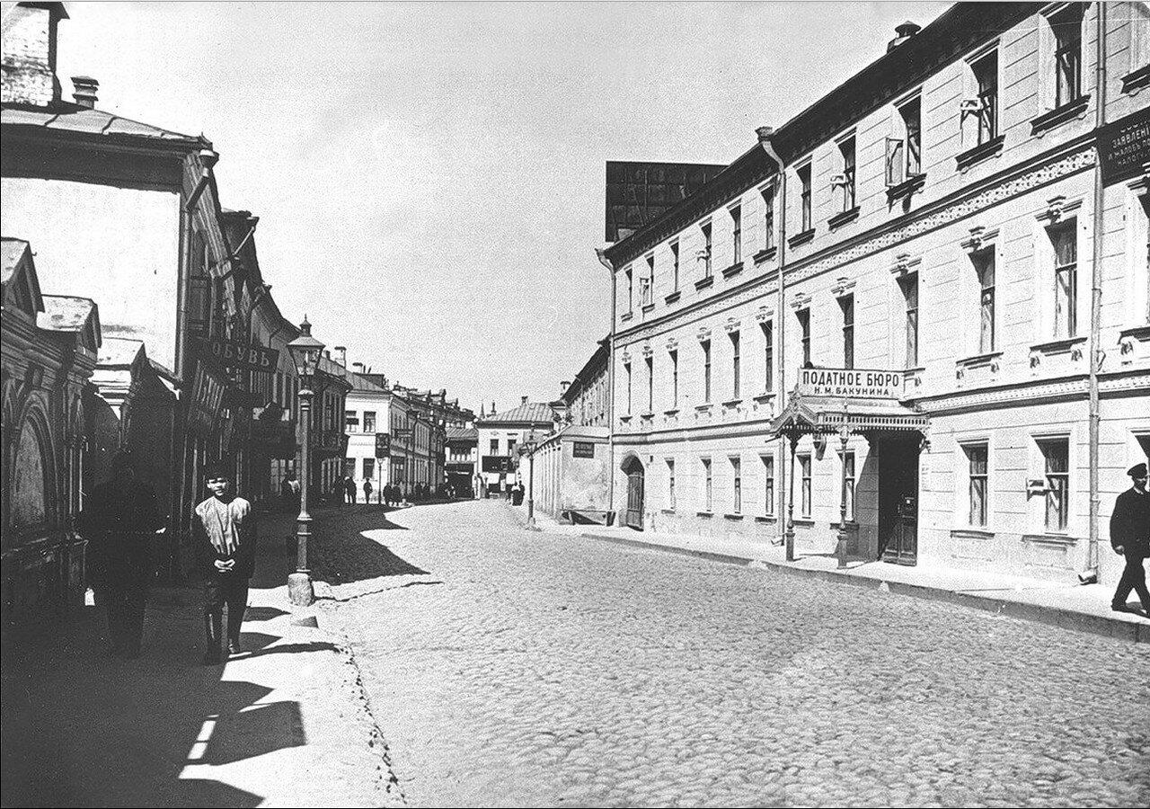 492. Кисловский переулок