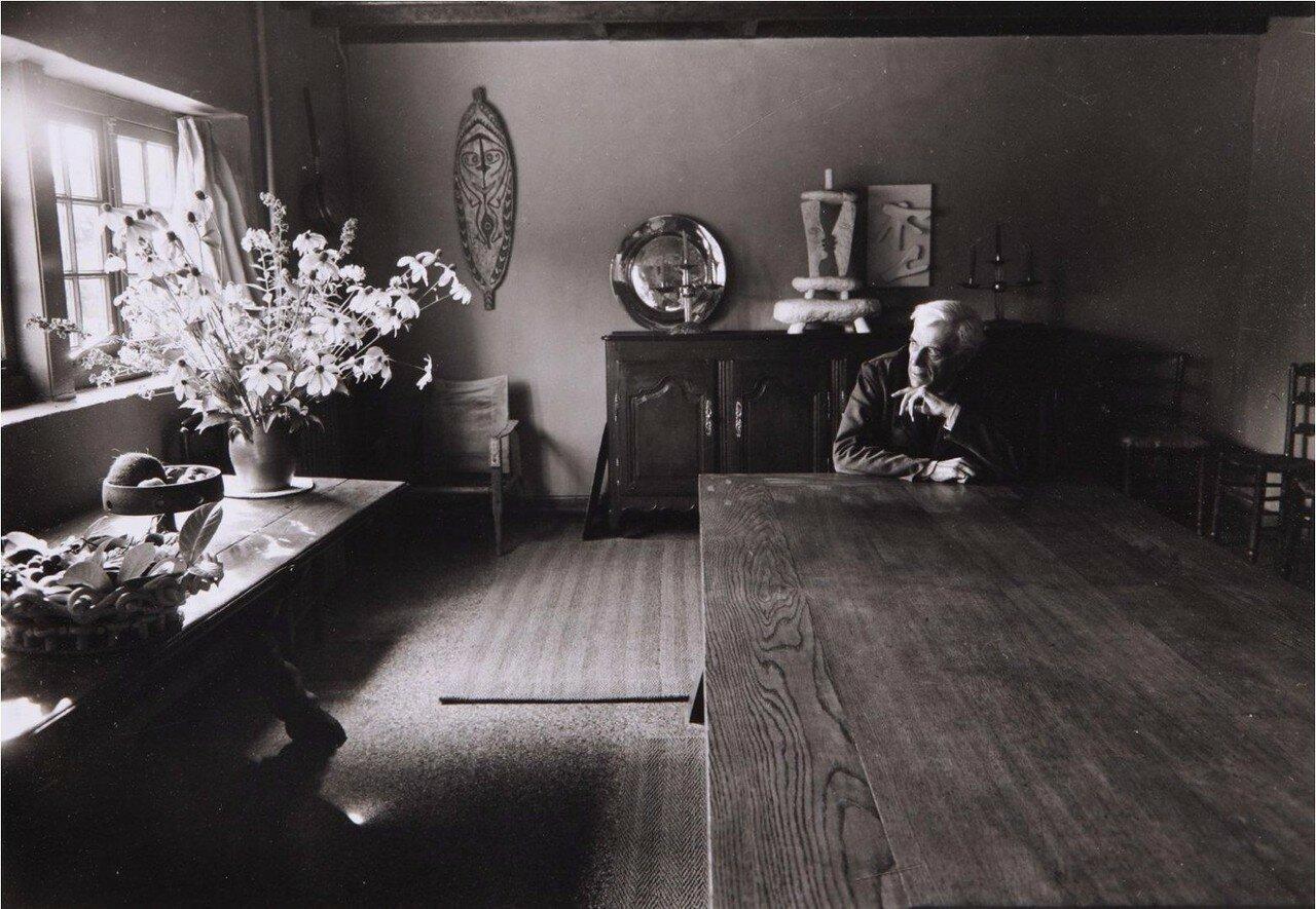 1953. Жорж Брак в  Варенжвиль-Сюр-Мер