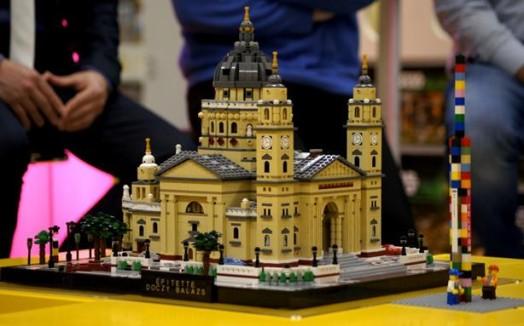 Самая высокая башня из Lego 0 11e6a3 75bfae8f orig