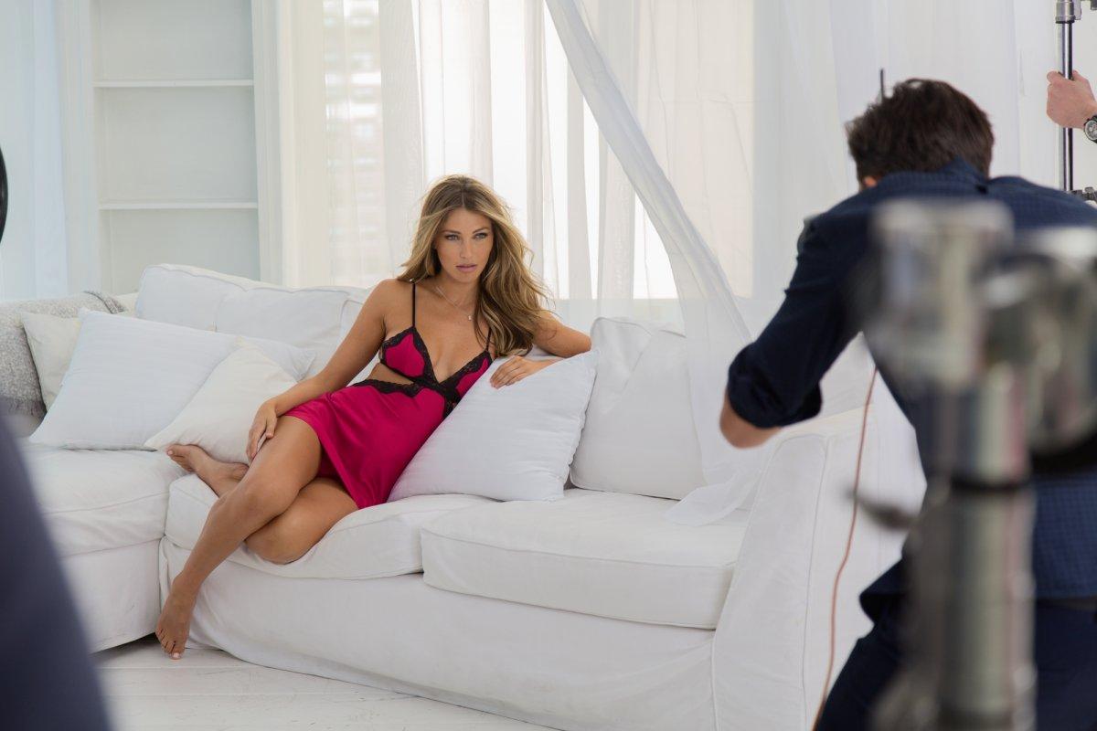 Так бразильская модель Симона Виллас Боас выглядит в реальной жизни — без ретуширования!