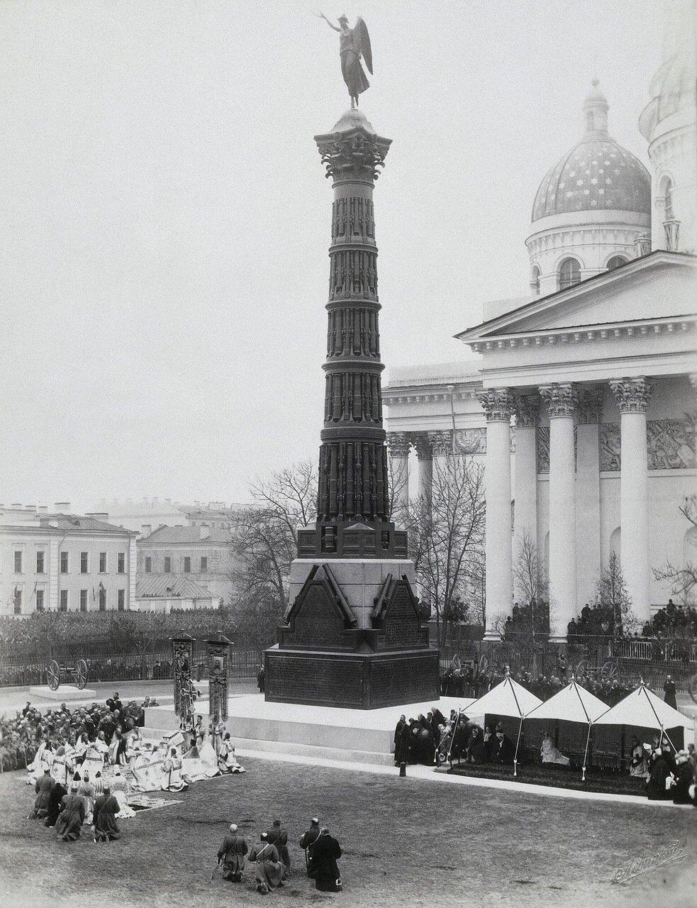 Открытие колонны Славы перед Измайловским собором. 1886