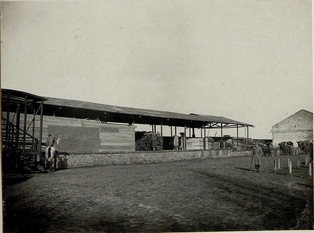 В районе железнодорожного вокзала. 1915.