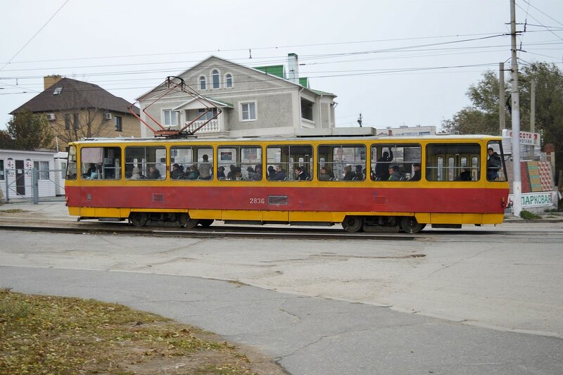 Трамвай на улице Каспийская