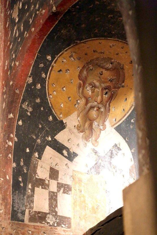 Святитель. Фреска церкви Святых Апостолов в Салониках. XIV век.