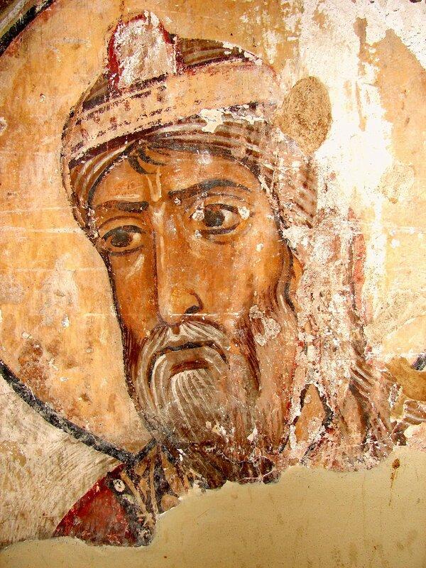 Испытание Богородицы водой обличения. Фреска XI века в храме Атени Сиони, Грузия. Фрагмент. Священник.
