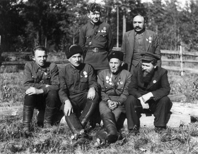 Вершигора, Ковпак, Базыма, Панин, Павловский, Вайцехович.jpg