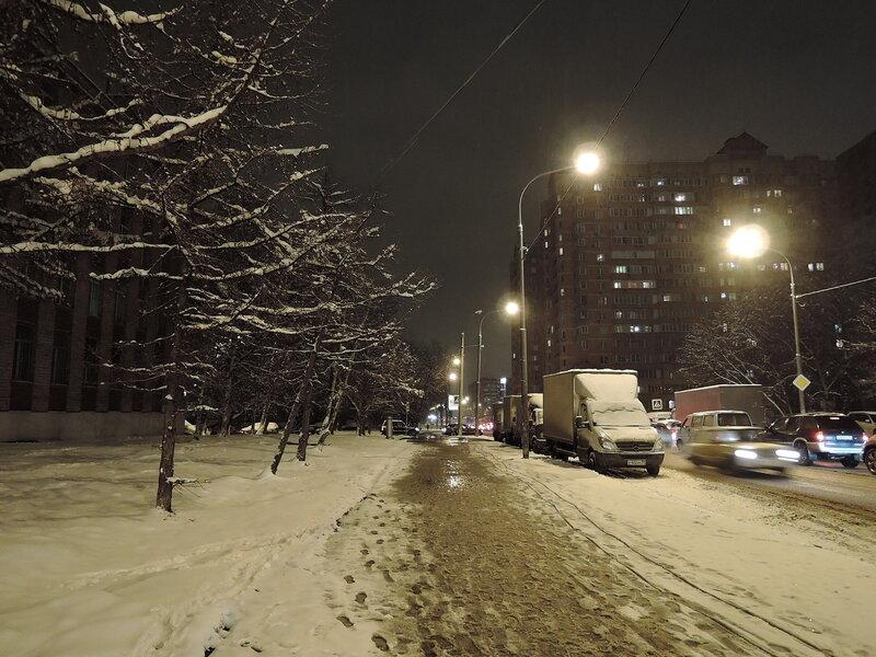 Байкальская улица. Пробка.