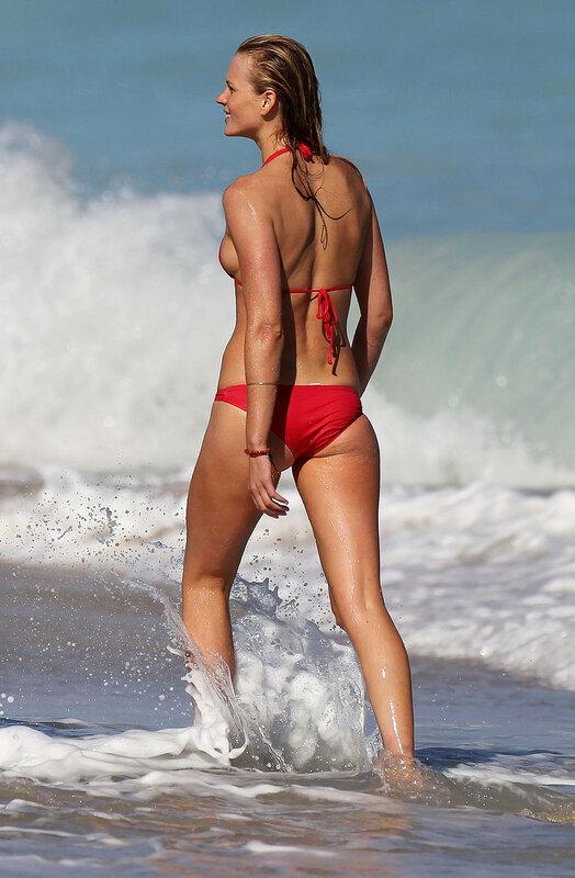 Young fashion models bikini candids nl — pic 15
