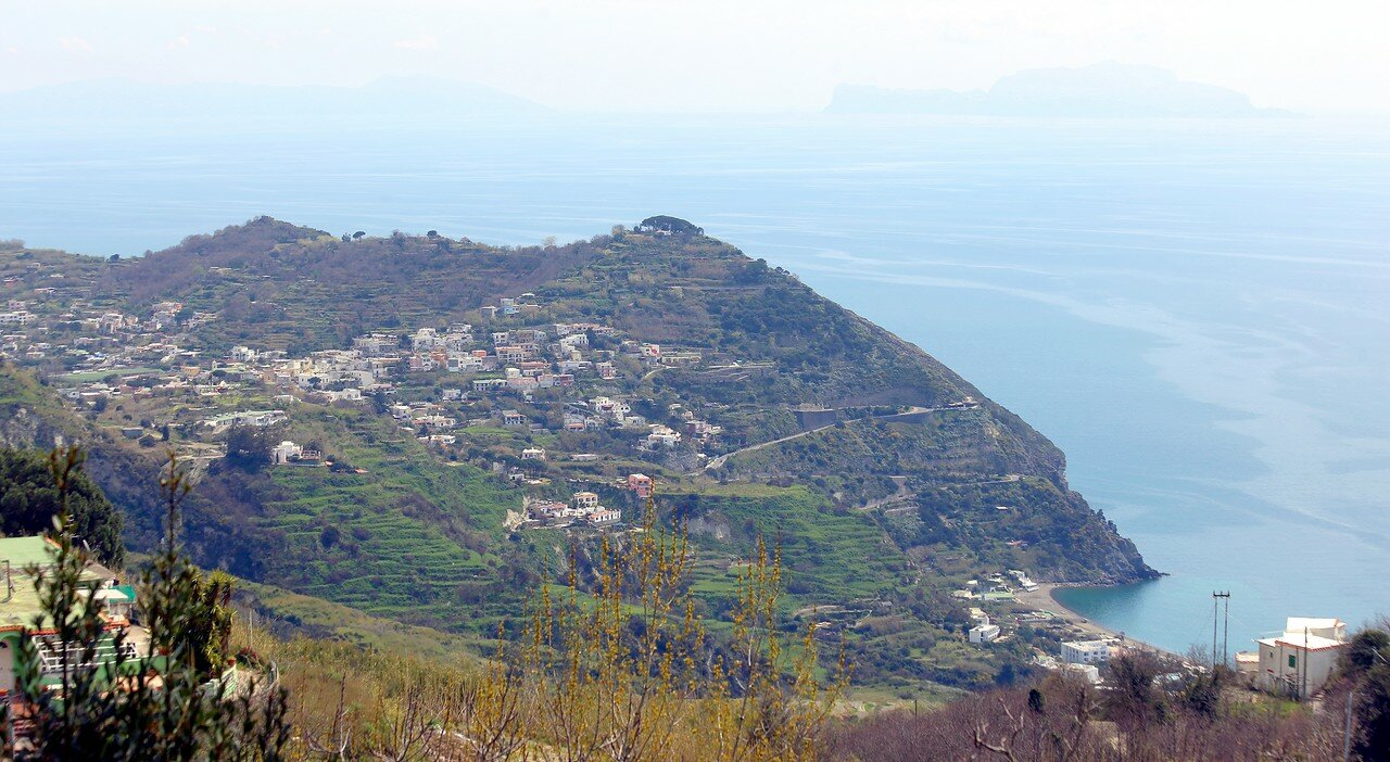 Ischia. Monte Cotto. Serpantin Maronti