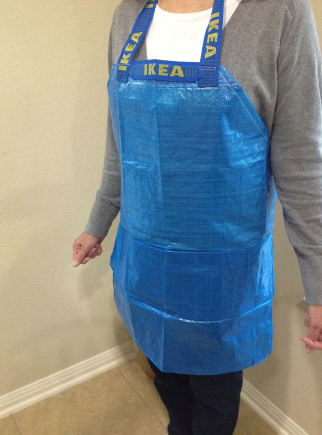 Thong, cap or shoes - The IKEA bag is now uncontrollable