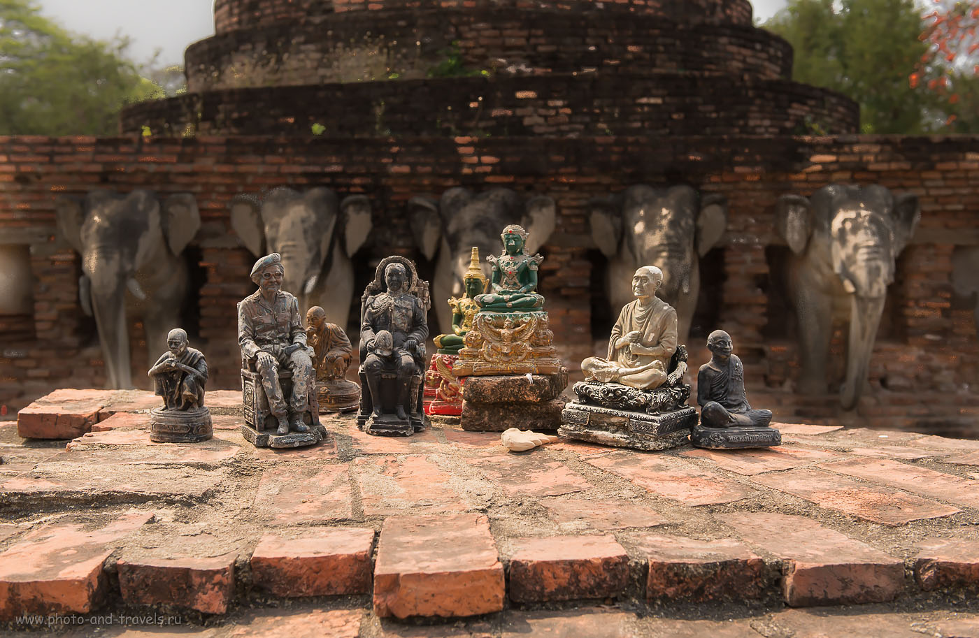 Фото 30. И вся королевская рать... Исторический парк Сукотаи на севере Таиланда.